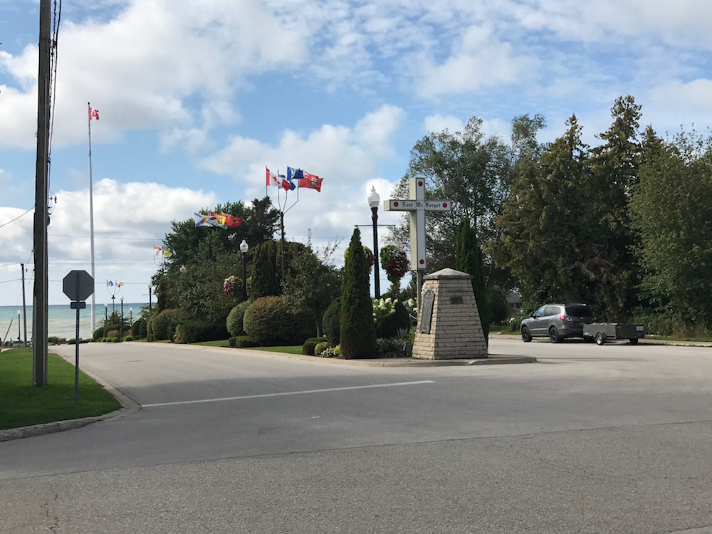 southampton giant canadian flag and lest we forget cross