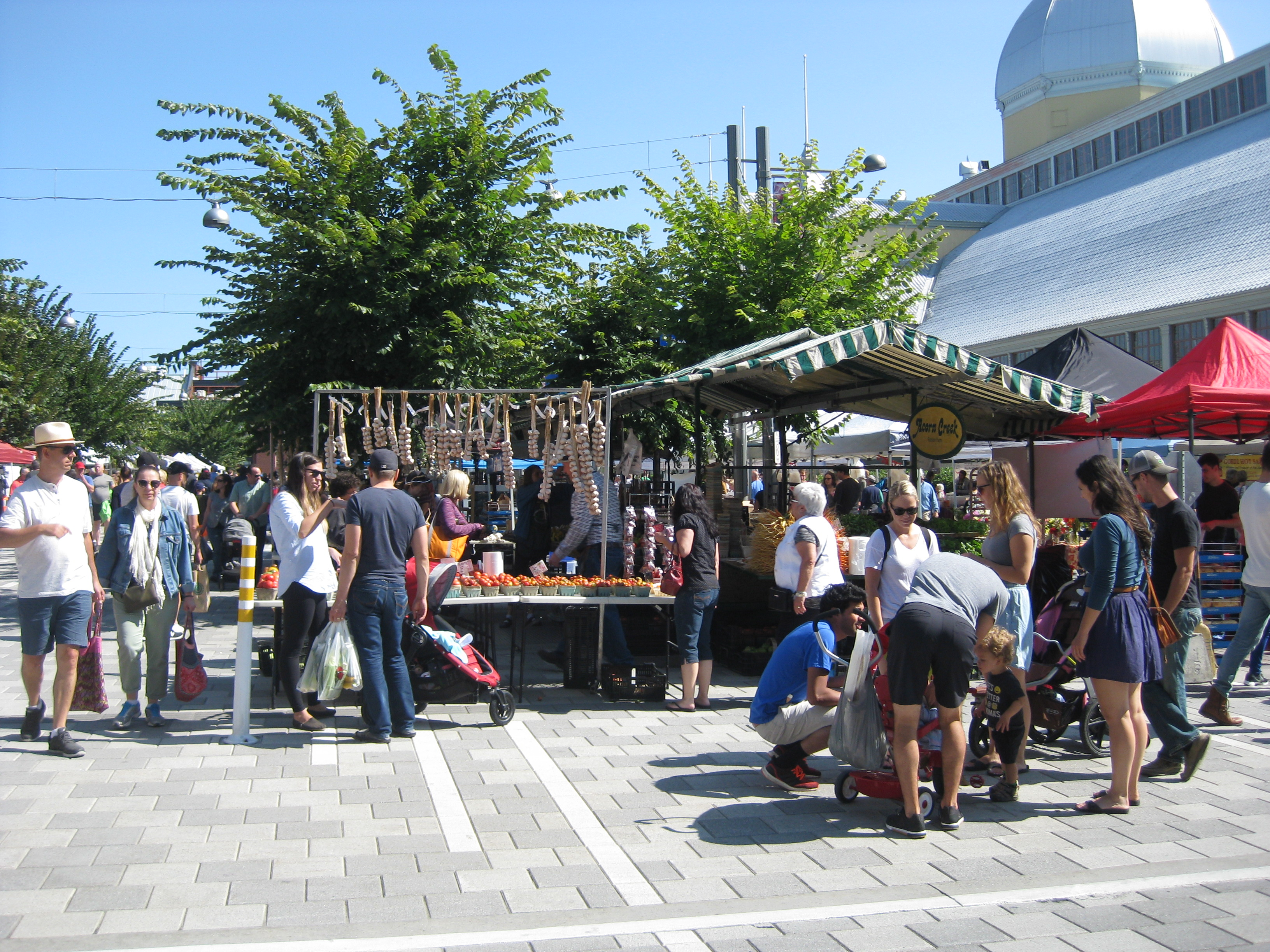 Lansdowne Summer Market outdoors